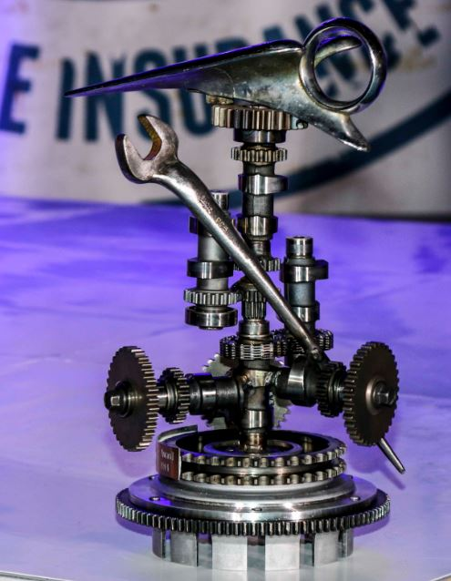 2014-award-motorcycle-usa-trophy