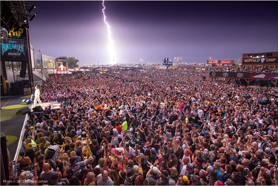 STURGIS-BUFFALO-CHIP-HISTORY-2013-KID-ROCK-LIGHTNING