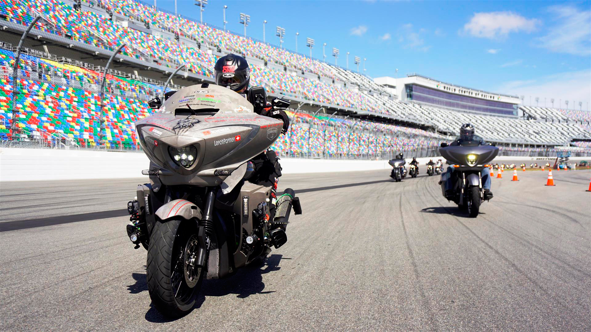 160711-victory-motorcycles-grizzly-daytona-international-speedway-departure